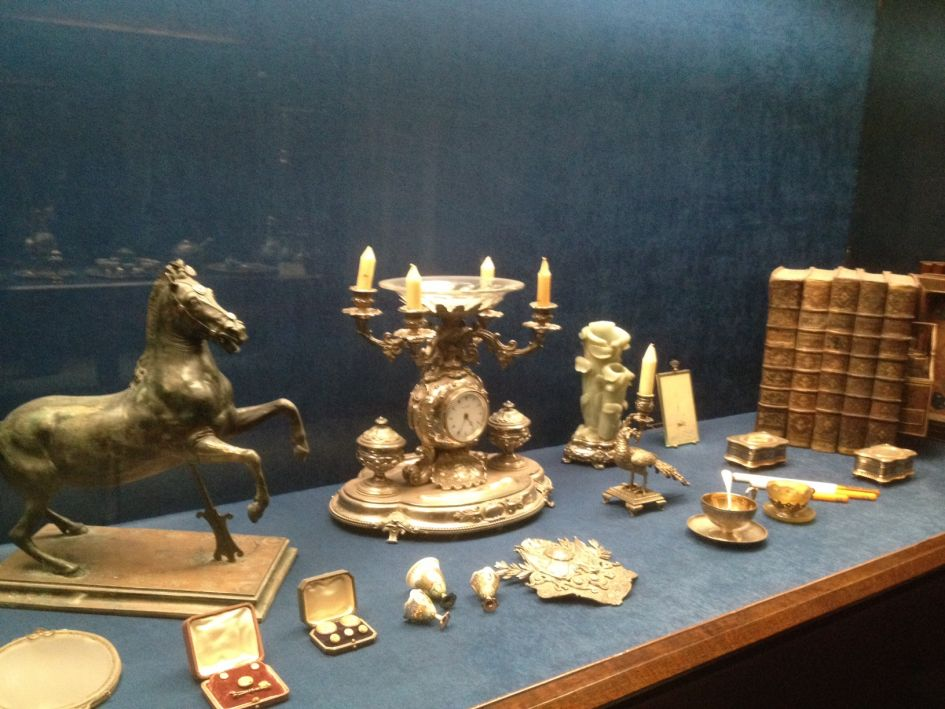 solid gold clock etc dolbramache palace istanbul