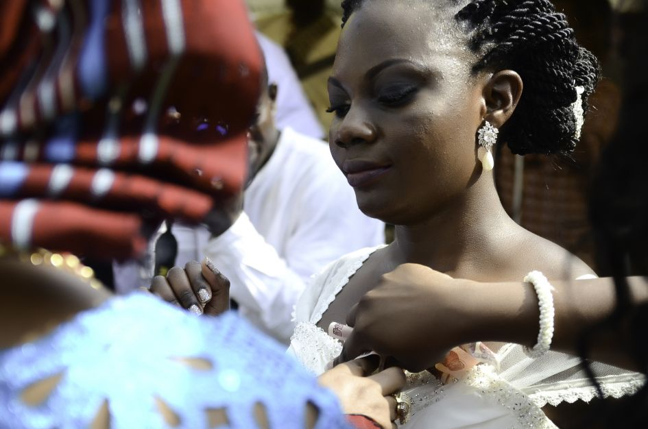Nigeria wedding day celebration money dance