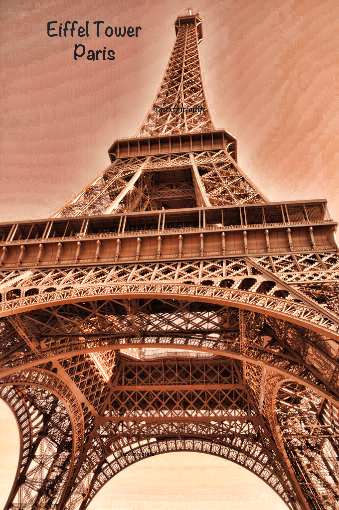 Paris in a day via the eurostar eiffel tower from below