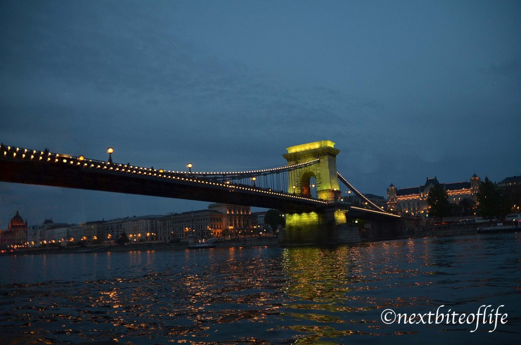 ultimate 4 day budapest itinerary chain bridge night view