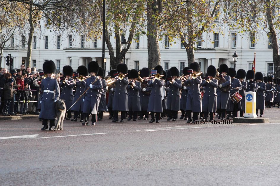 frugal london free thing to do marching band changing of guard