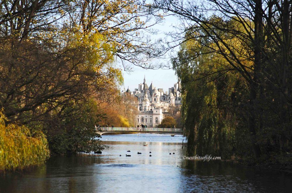 frugal london buckingham palace garden frugal sight