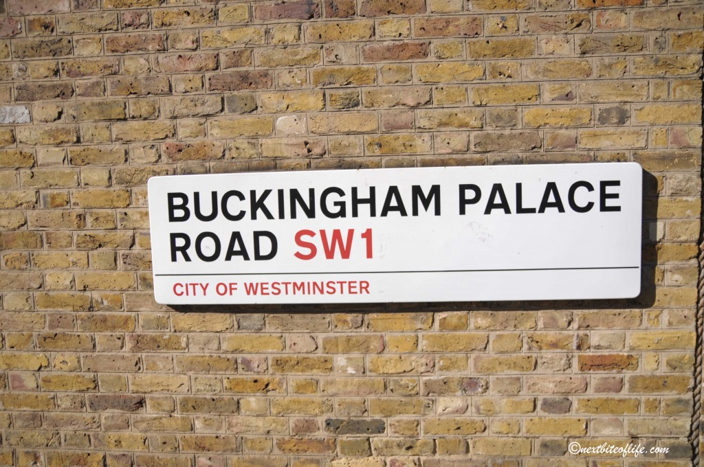 Buckingham Palace sign in London