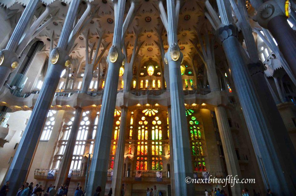 Travel guide for Barcelona Sagrada familia interior