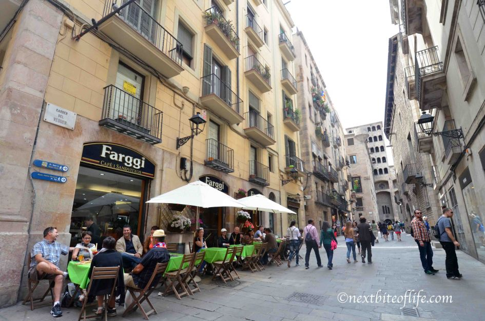 barcelona restaurants and tapas bar in the guide to barcelona travel