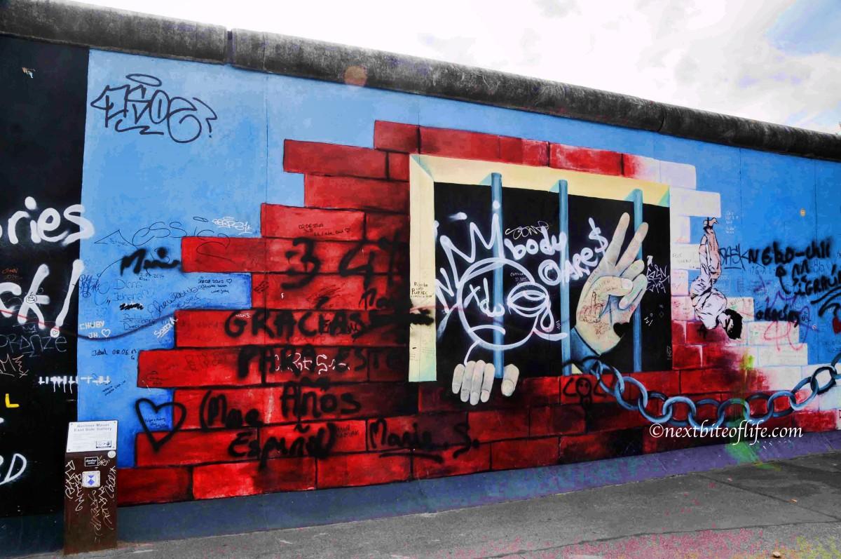 east side gallery berlin wall mural