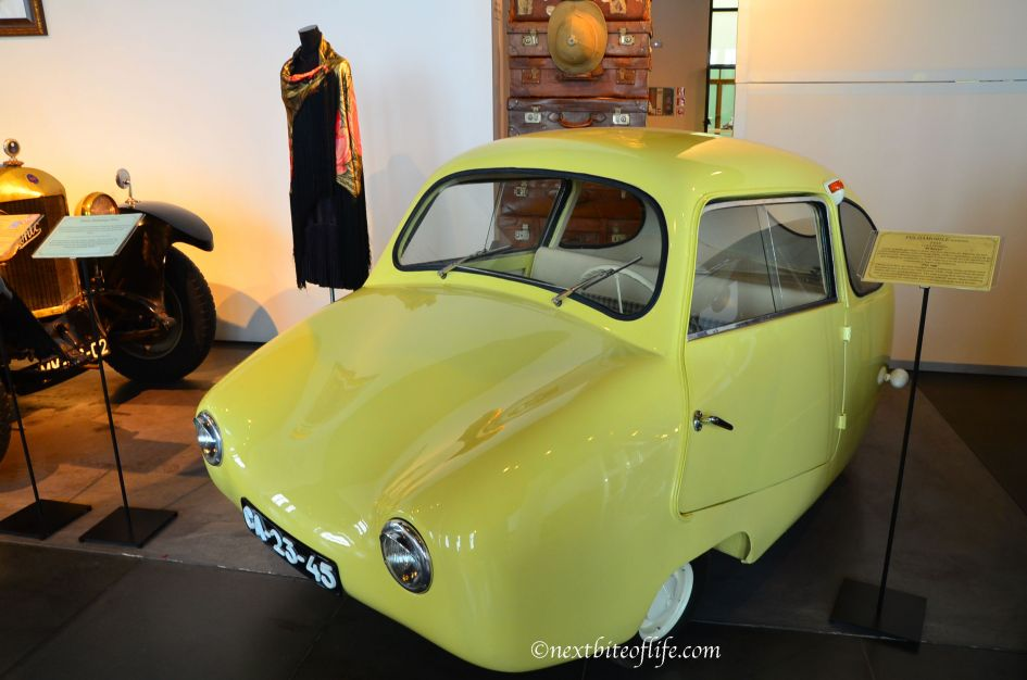 egg car at auto museum Malaga