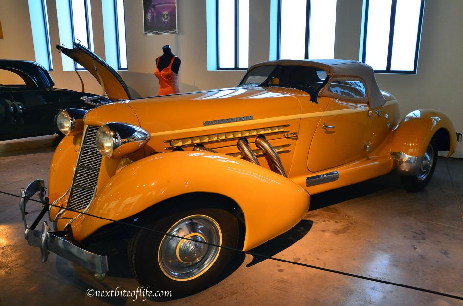 Madonna rented convertible at auto museum malag..