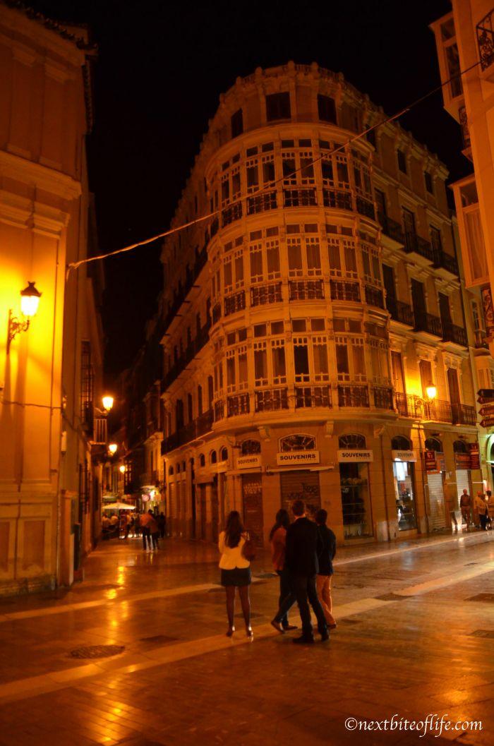 Malaga At Night – Midnight Walk In The Centre