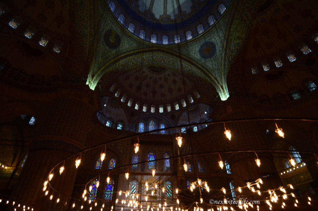 blue mosque lights