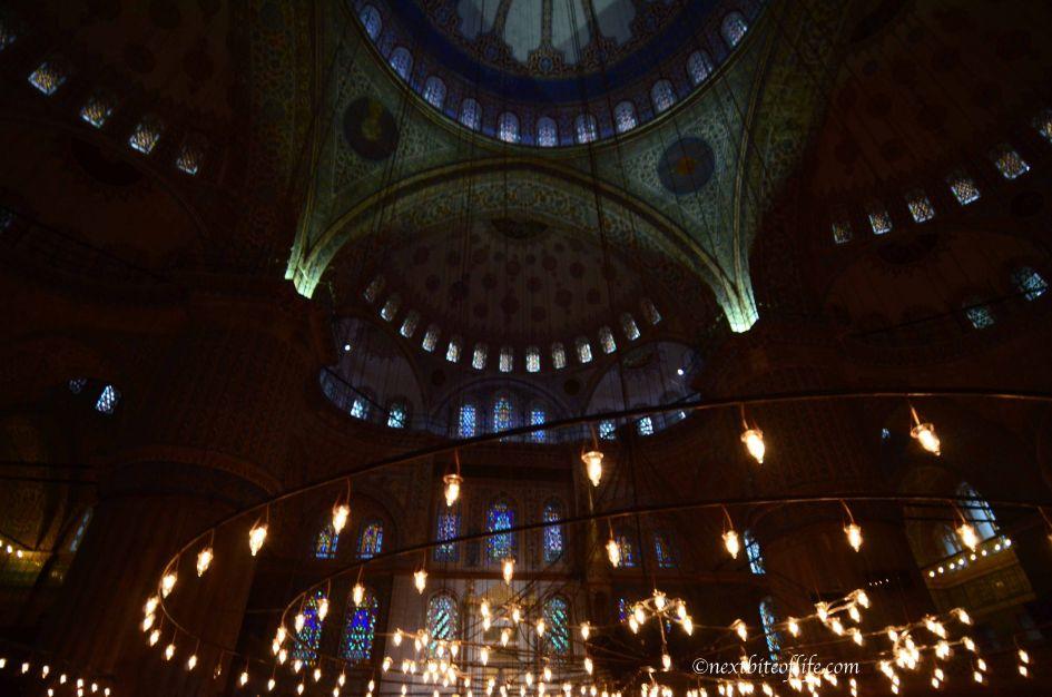 blue mosque lights