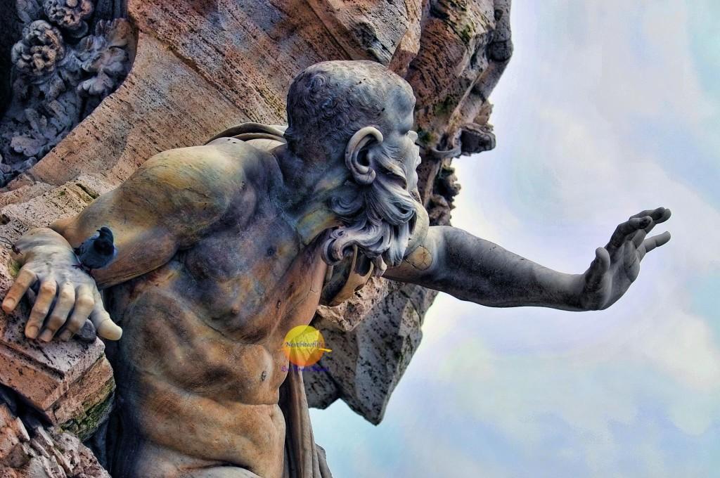 Piazza Navona Bernini statue