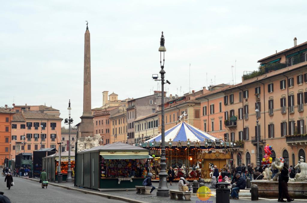 piazza navona at christmas
