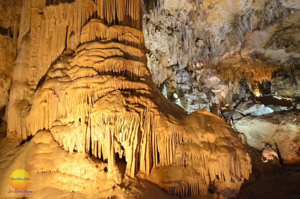 nerja caves formation