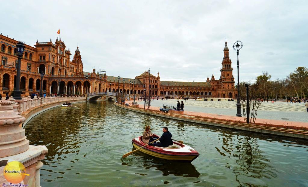 plaza de espana seville canoe ride