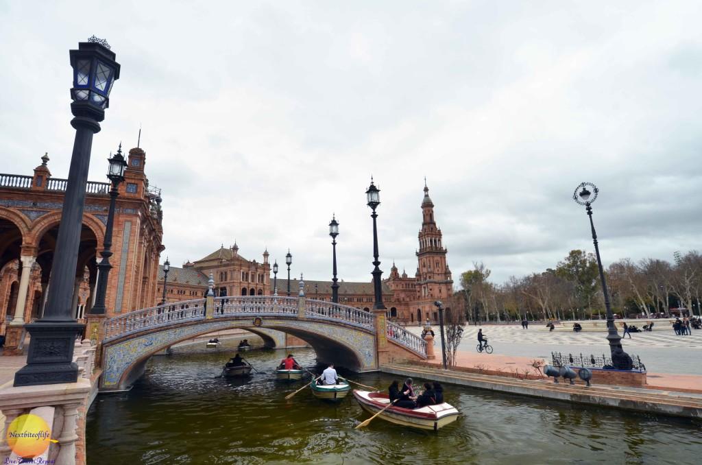 plaza de espanya seville boaters