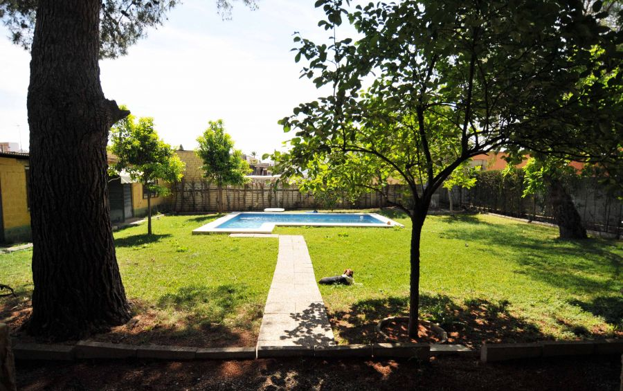 We added the walkway path rental house seville pool