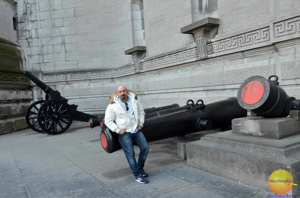 cannons at cinquanetaire park museum