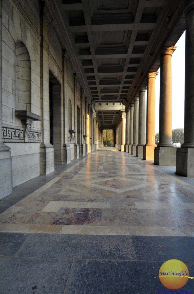 entrance to royal arm museum brussels
