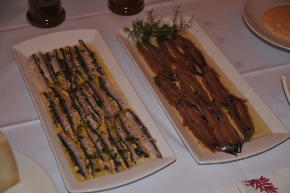 Anchovies! and something that looks like sardine, but it is not!!! Delicious!