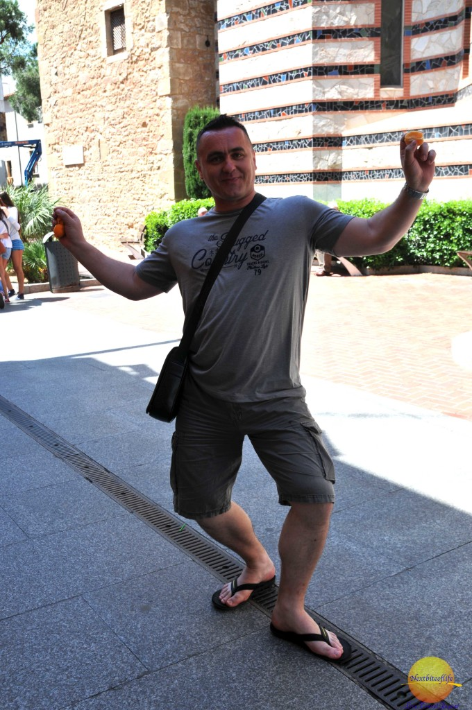 German tourist! He kept trying to talk to me, and l asked him to pose..Here is the result.. :-) Friendly people everywhere