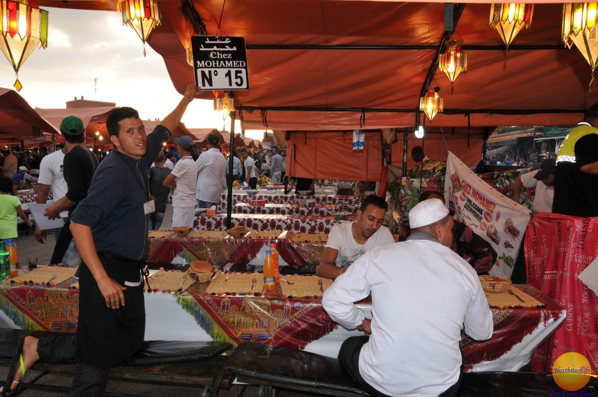 Fierce competition to get you to eat at their stall..