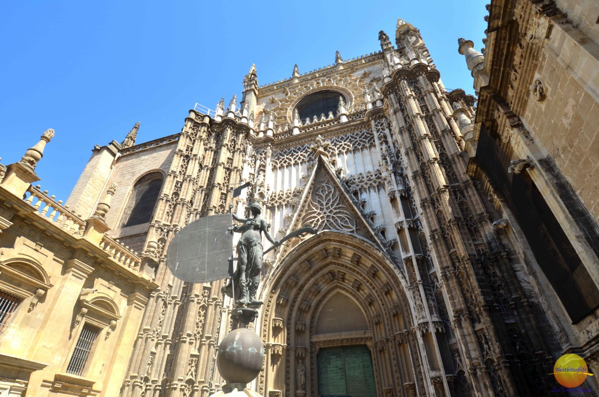 Seville Cathedral and La Giralda - stunning ode to excess ...