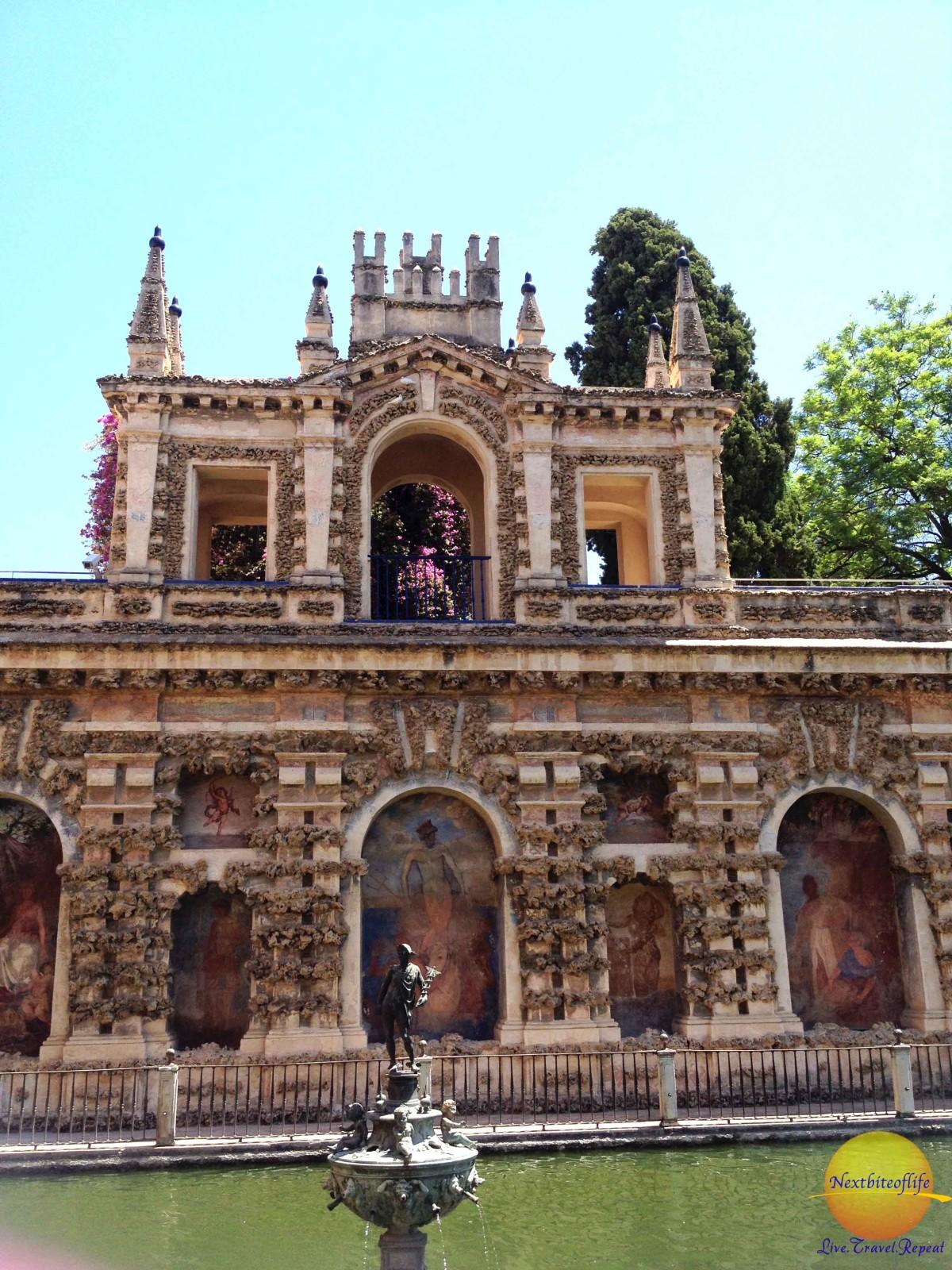 fountain at royal alcazar