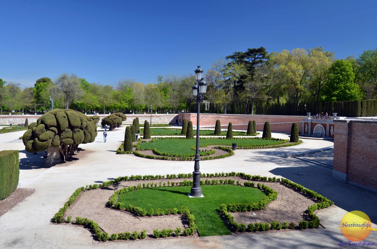Wide paths in these intricately designed gardens el retiro