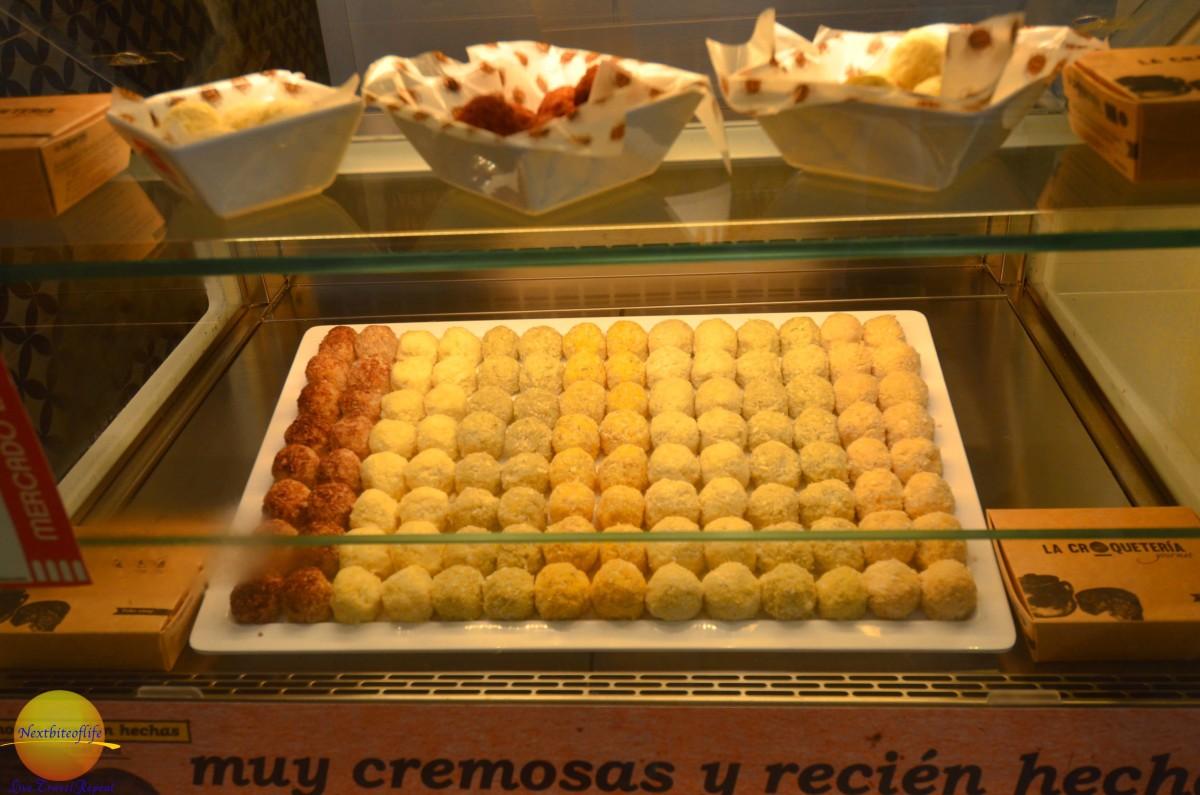 crocquettas at mercado barranco seville. Mercado gourmet croquetas