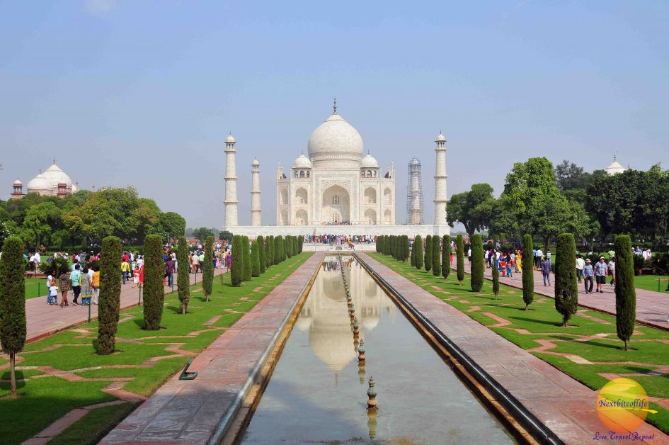 Taj Mahal fountain view