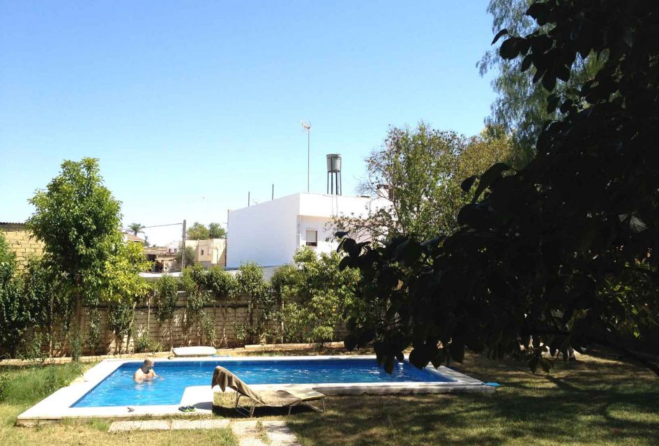 Cost of living Seville fede-in-pool