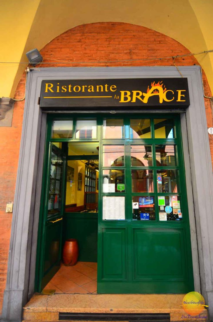 Ristorante la Brace entrance in Bologna