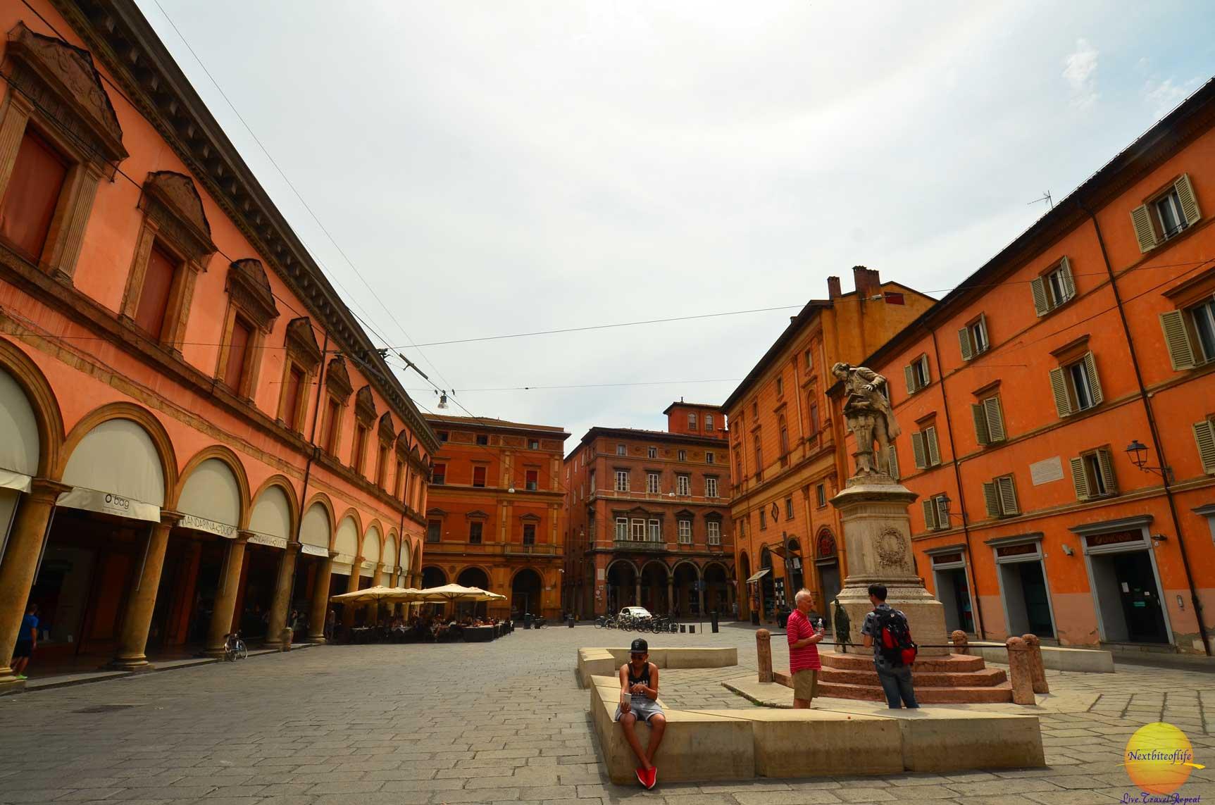 bolgona italy red buildings
