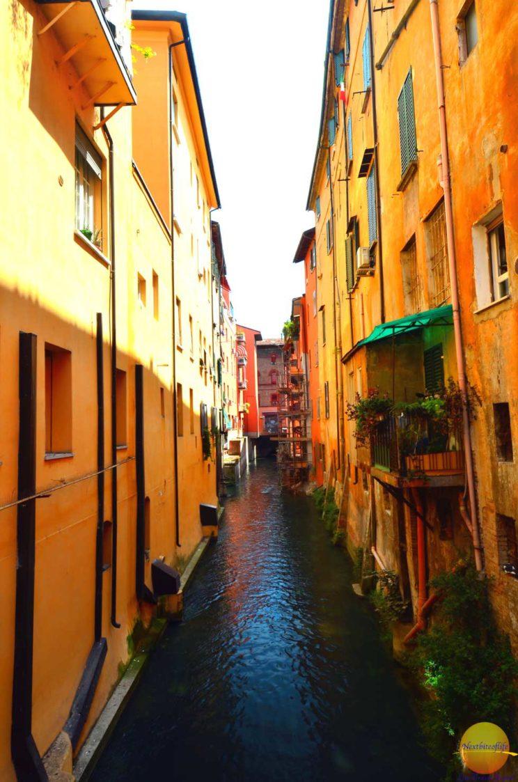 bologna italy via piella canal