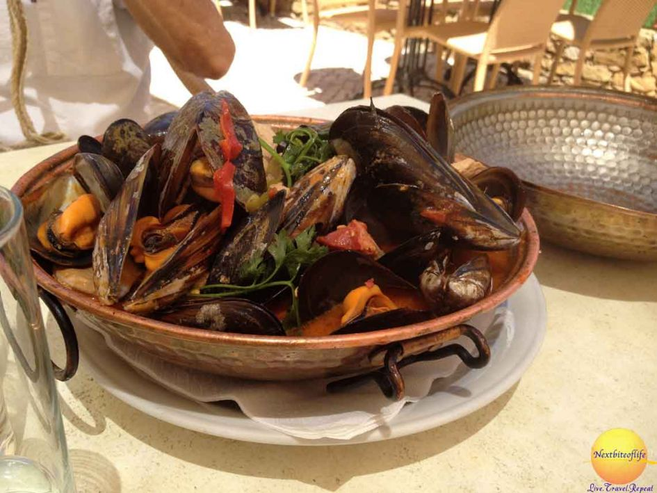 mussels plate in lagos portugal restaurant