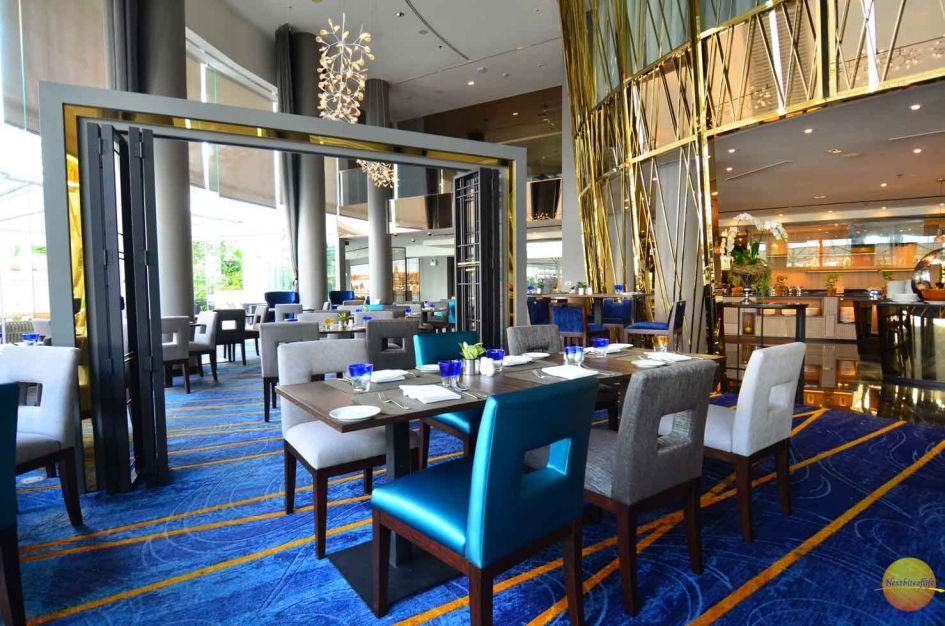 chatrium hotel riverside restaurant