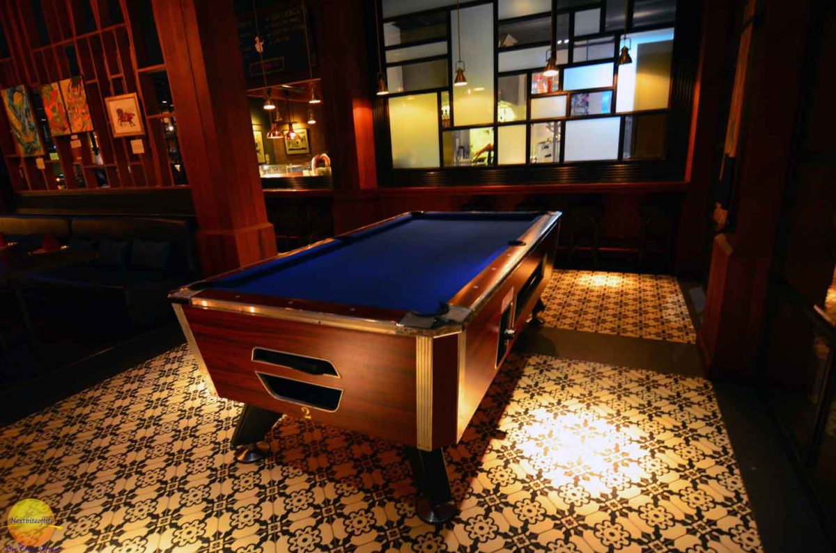 metropole bangkok pool table