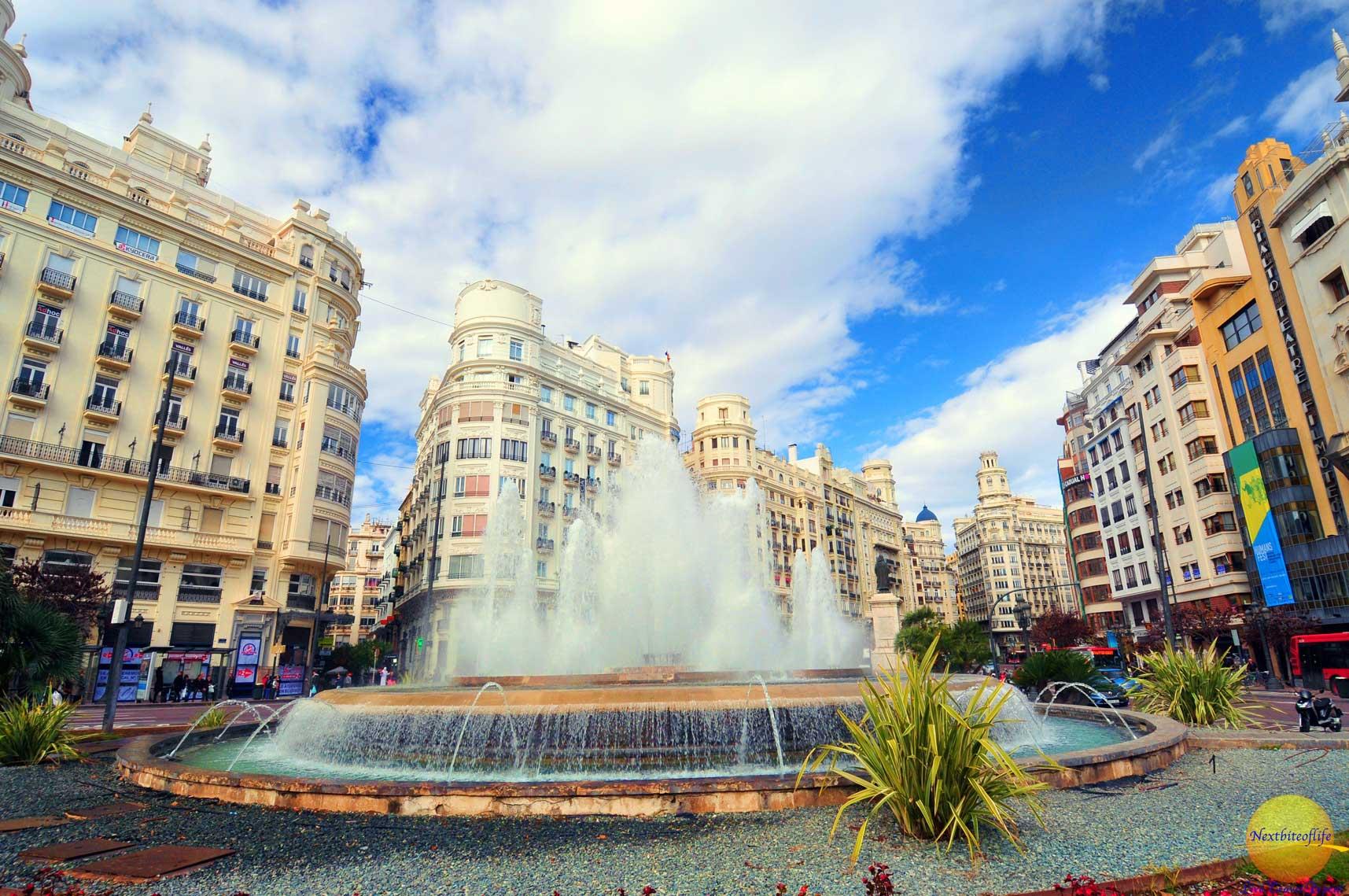 4 Reasons Why Valencia Spain Makes Us Happy
