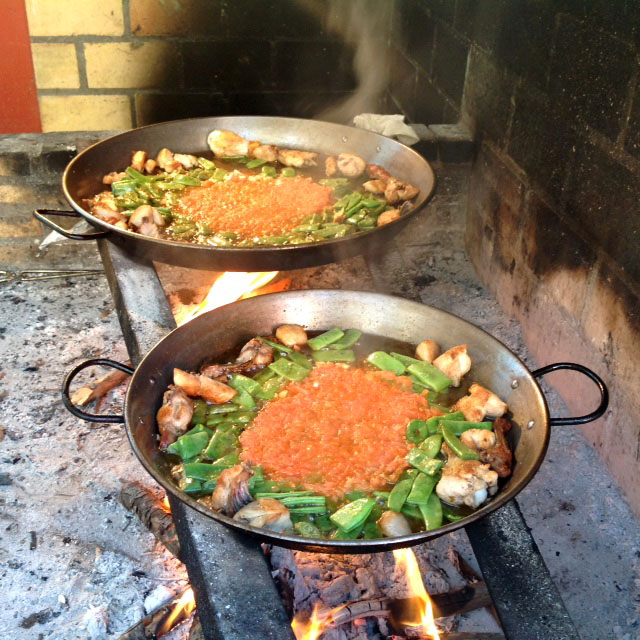 cooking authentic valenciana paella