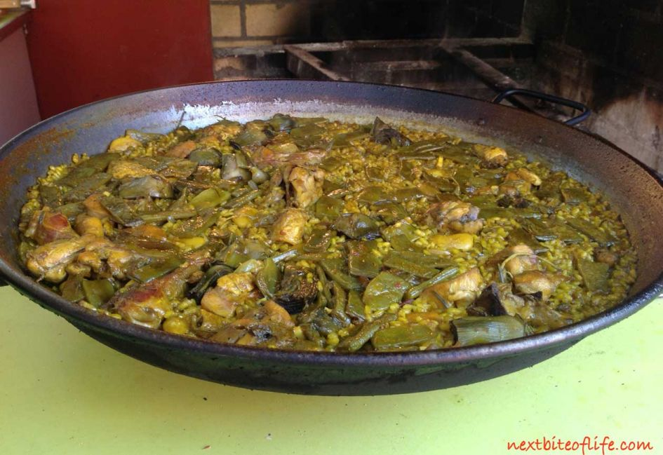 authentic paella valenciana