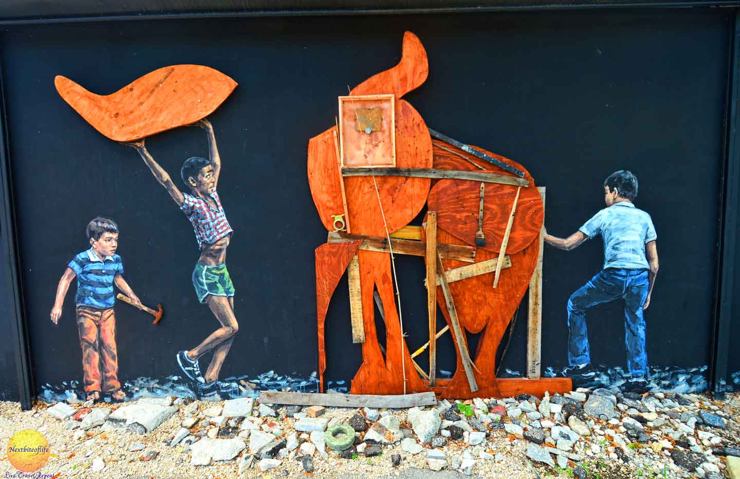 kids building elephant mural wynwood