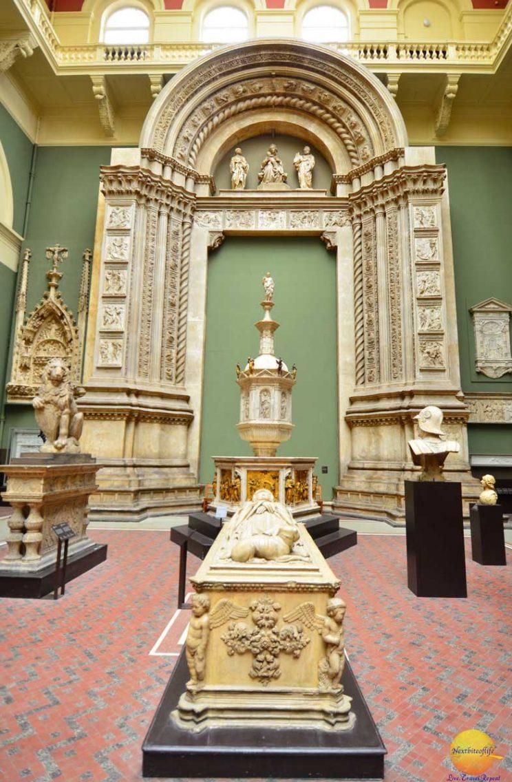 Roman artefacts at Victoria and Albert London