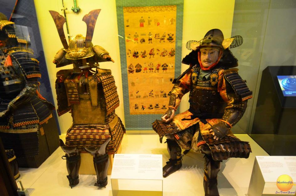 victoria and albert museum samurai on display with war gear