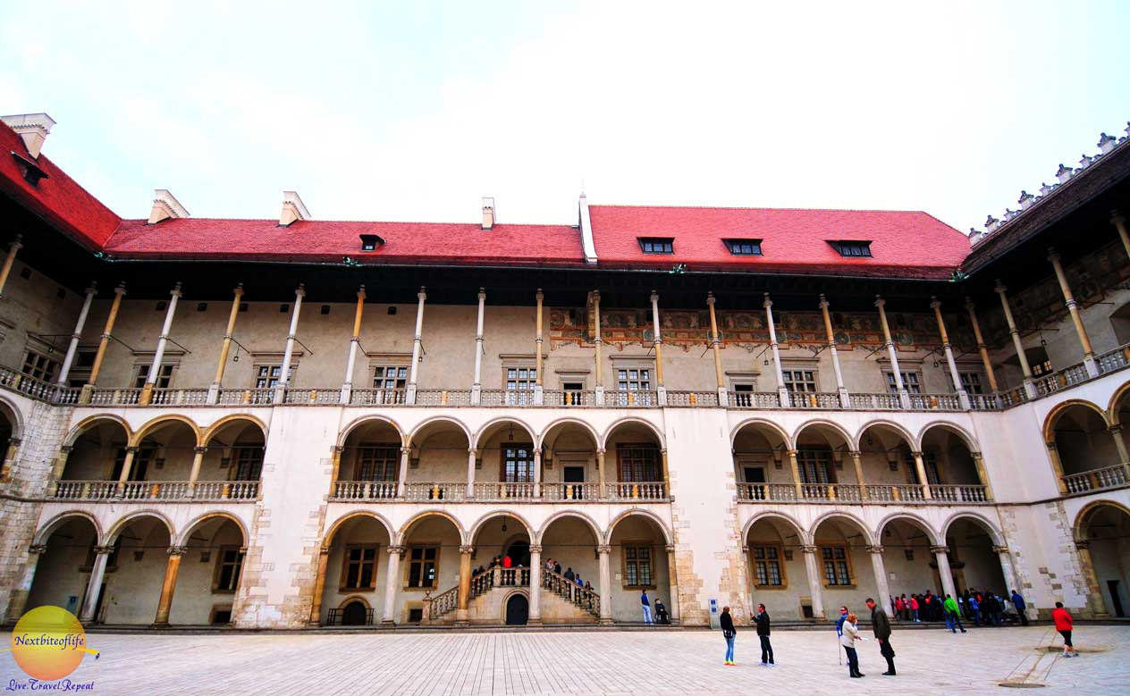wawel castle courtyard moorish