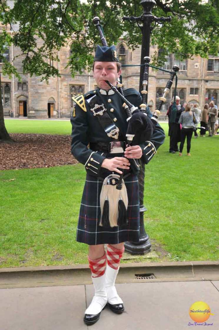 bagpiper ar University of glasgow