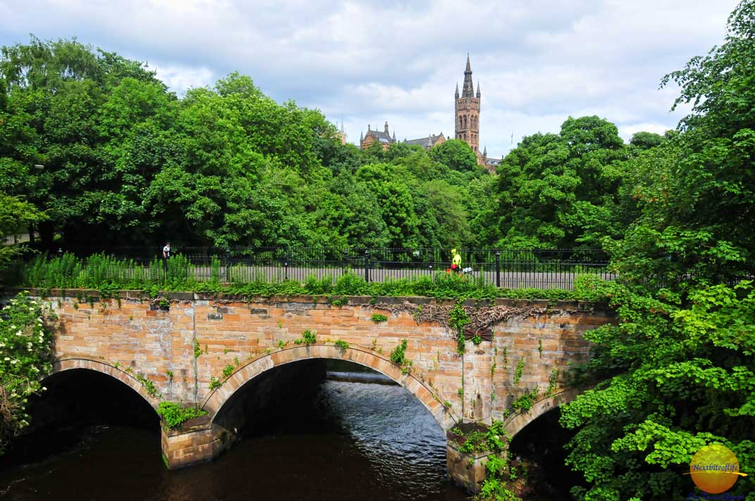 Glasgow Visitor Guide Scotland - rough guide eat sleep and stay