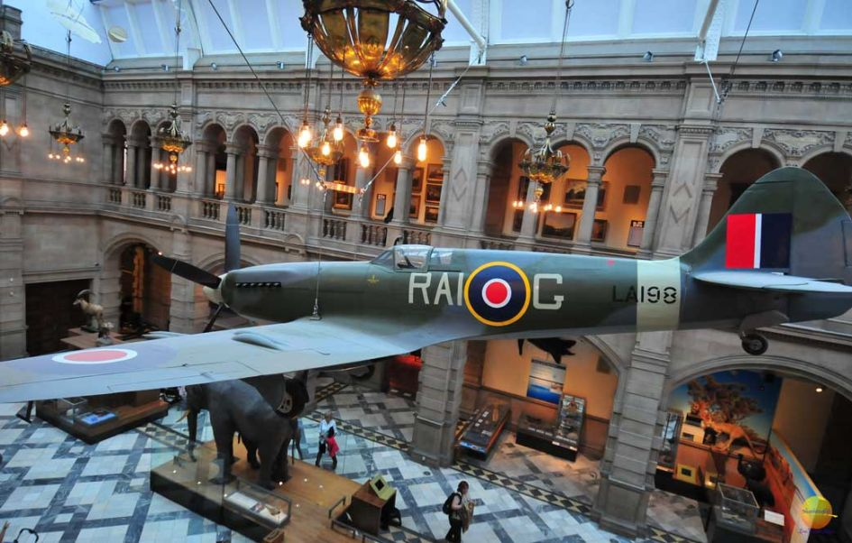 kelvingrove museum plane and below