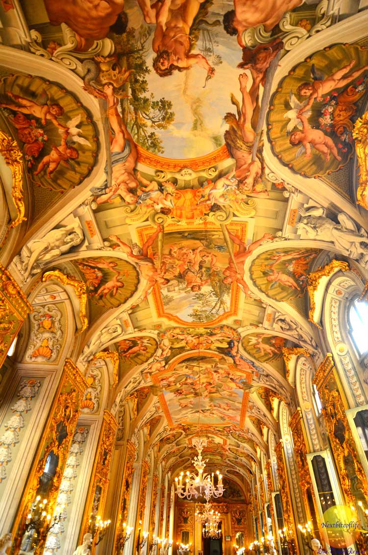 ceiling gallery of mirrors doria pamphili