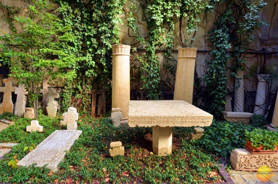 headstone stavropoleos church bucharest